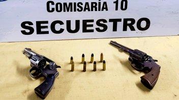 Secuestraron dos revólveres tras balaceras en un barrio de Paraná