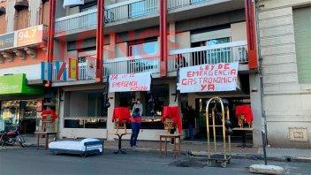 Imágenes y testimonios: Protesta de hoteleros y gastronómicos en Paraná