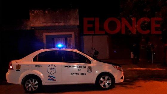 Clausuraron fiesta clandestina en Federación: había más de 20 personas