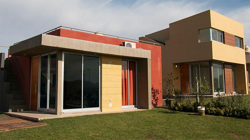 Casas de 1 y 3 dormitorios en Lopez Jordan al Río