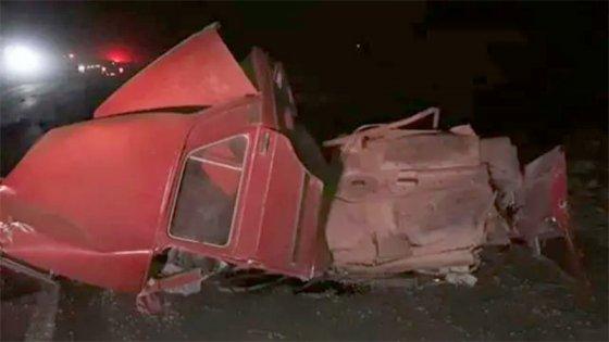 Dos jóvenes murieron en choque entre un auto y un camión en ruta de Santa Fe