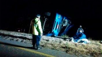 Camión volcó sobre la ruta Nacional 14: El conductor fue trasladado al hospital