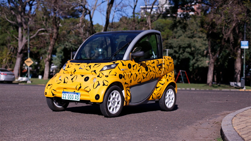 Se vende en Paraná el auto eléctrico argentino que hace 100 km con $60