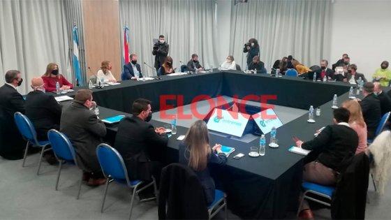 Restricciones por coronavirus: Definen cómo seguirán las actividades en Paraná