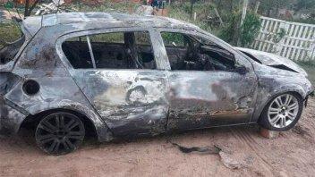Atropellaron y mataron a un canillita: Huyeron y habrían quemado el auto