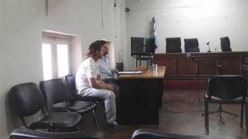Acusado de un crimen continuará en prisión: será por haber apuñalado a su pareja
