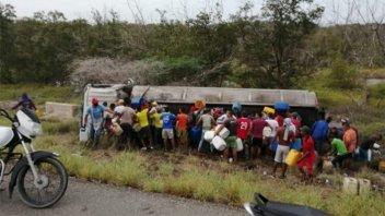 Video: Siete muertos y decenas de heridos tras explosión de un camión cisterna