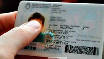 Entre 200.000 y 900.000 argentinos no tienen partida de nacimiento ni DNI