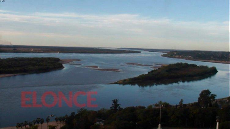 El río Paraná se mantiene en 72 centímetros y aún emergen los bancos de arena