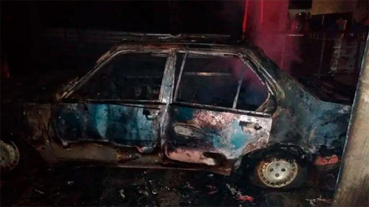Concordia: Dormía dentro de su auto, se incendió y falleció calcinado