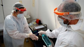 Distribuirán 18.000 mochilas con equipamiento para estudiantes de enfermería