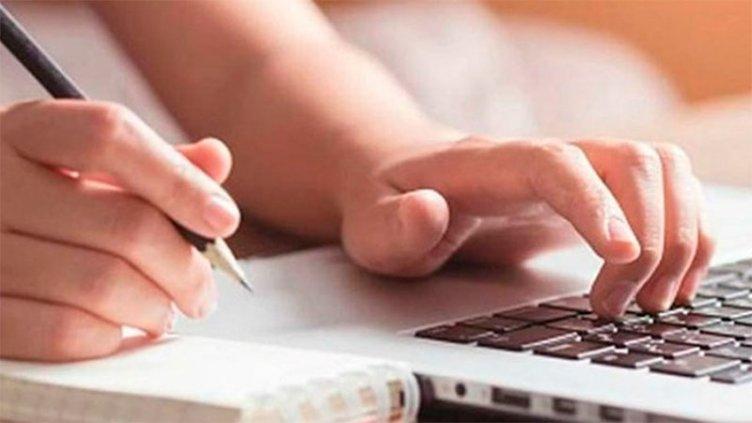 Renuevan y amplían créditos para adquirir computadoras para docentes