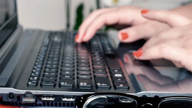 Programa PC Docentes: lanzan segundo tramo de créditos para 10.000 equipos