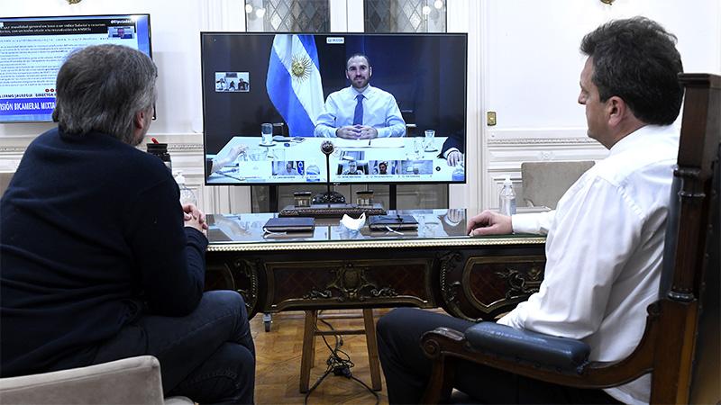 Guzmán en comunicación con Massa y Kirchner