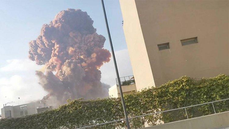 Varios muertos y decenas de heridos tras potentes explosiones en Beirut