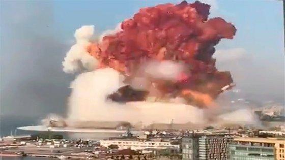 Explican por qué se formó una nube alrededor de la explosión en Beirut