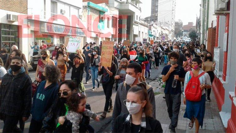 Por una Ley de Humedales: Se realizó una marcha en protesta por quemas en islas