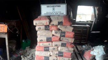 Recuperaron más de 60 bolsas de cemento que habían sido robadas