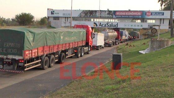 Pedido de hisopado para ingresar a Santa Fe: Largas colas en el Túnel Subfluvial