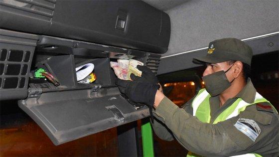 Dos camiones que tenían como destino Paraná, trasladaban 1.200.000 pesos