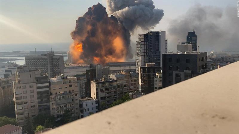 Explosión en Beirut grabada a detalle por un médico
