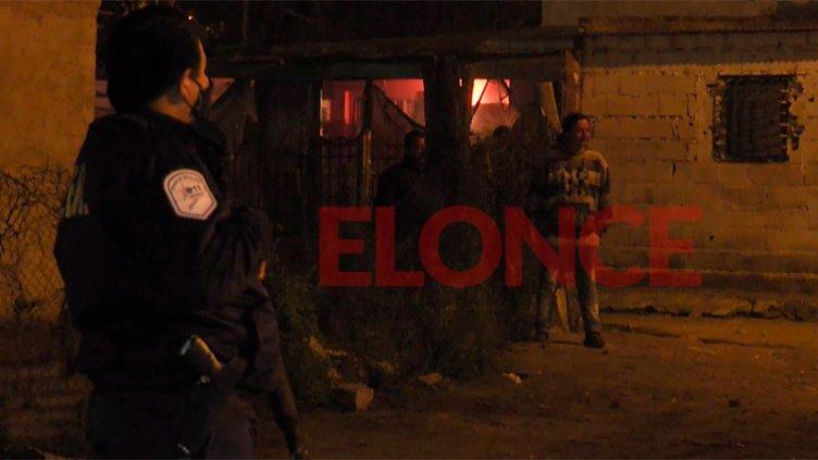 Un policía herido y dos menores de edad detenidos tras disturbios en Villa 351