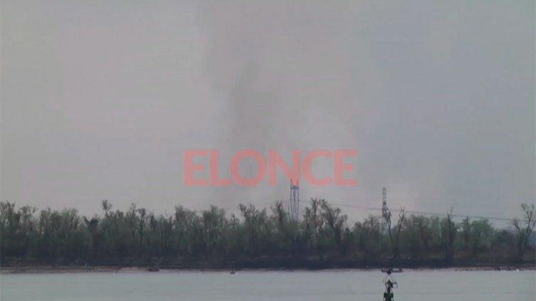 Otra vez se observó humo frente a Paraná, por las quemas en la costa santafesina