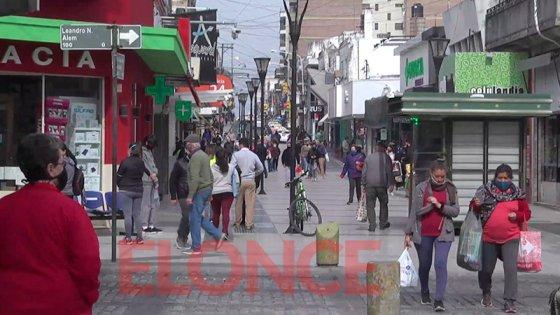 La gente salió de compras y creció notoriamente el movimiento en la Peatonal