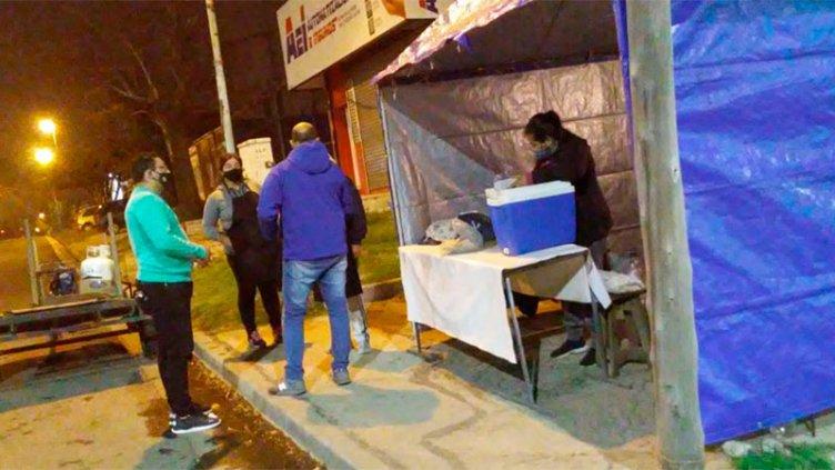 Covid-19: Desmantelaron puestos ambulantes y clausuraron comercios en infracción