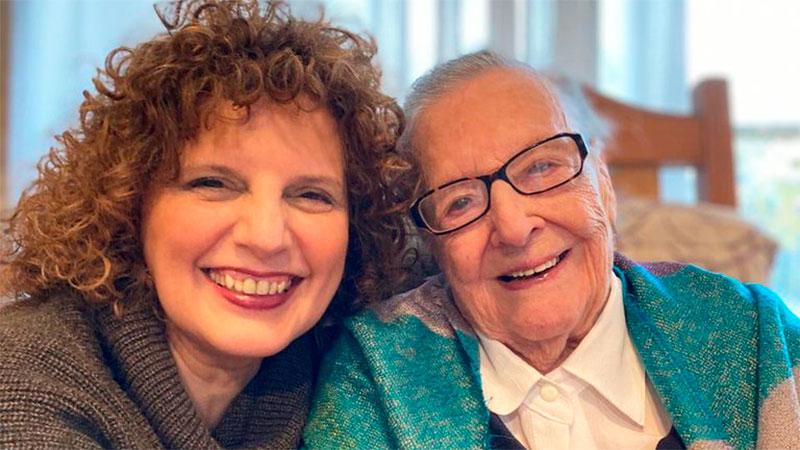 Lea Enriqueta de Machado junto a su hija Marilí.