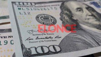 El dólar blue comenzó la semana con un retroceso de 5 pesos