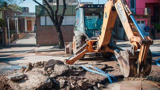 Amplían y extienden el corte de agua por reparación de cañería