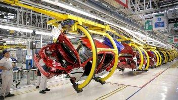 Eliminarán retenciones para algunas exportaciones de autos