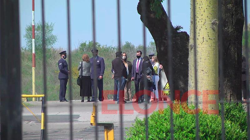 Aguardan al Presidente de la Nación en la Brigada Aérea de Paraná