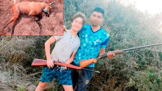 Mataron un aguará guazú, publicaron fotos como si fuera trofeo y los detuvieron