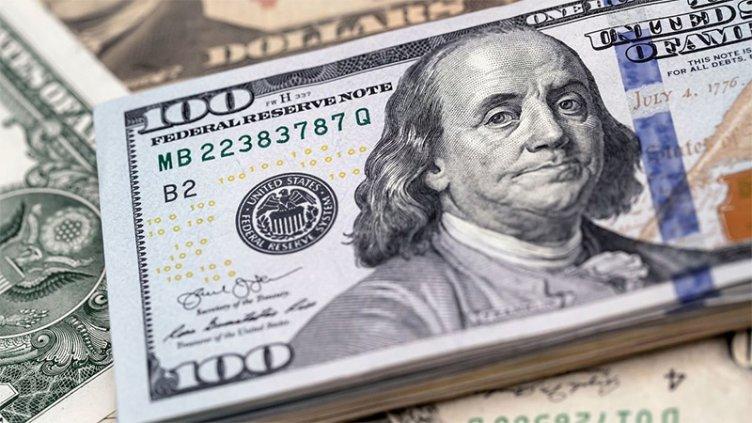 Nueva restricción para comprar dólares afecta a 1,7 millones de trabajadores