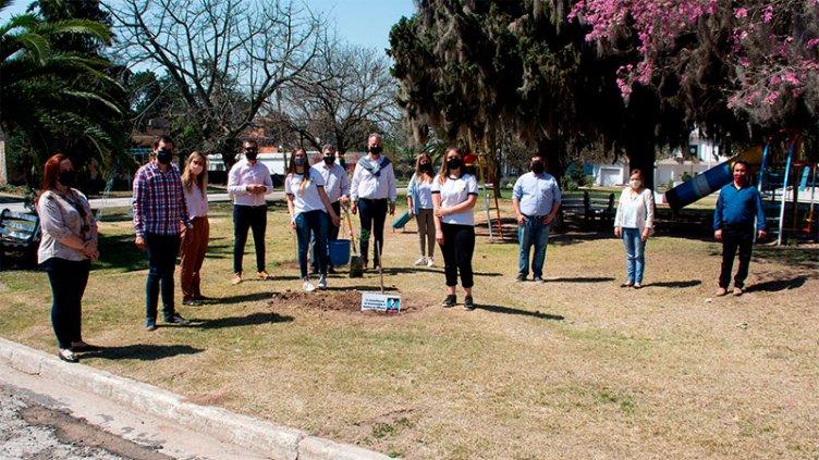 Mes de la Juventud: Más de 40 localidades de la provincia plantaron árboles