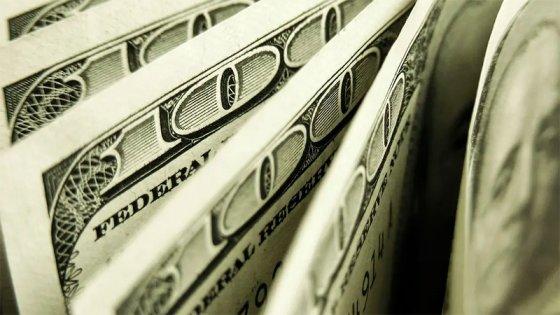 No podrán comprar dólares los empleados de las empresas que reciben ATP