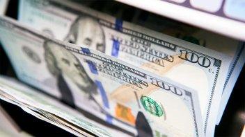 El dólar blue alcanzó los $181 a la espera de anuncios