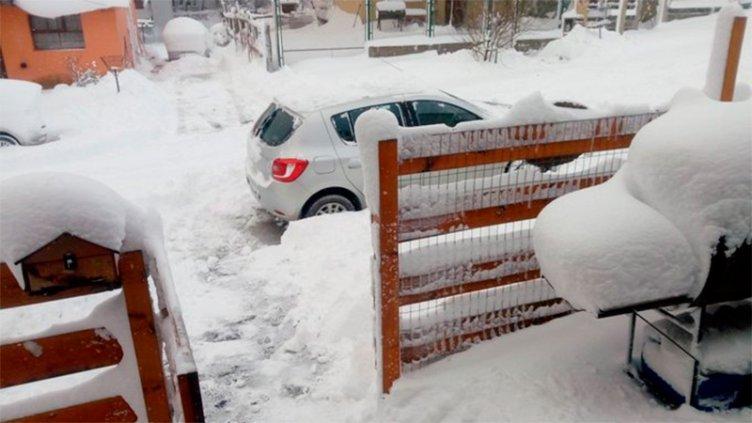 Fotos y videos: Octubre empezó con una gran nevada en Ushuaia