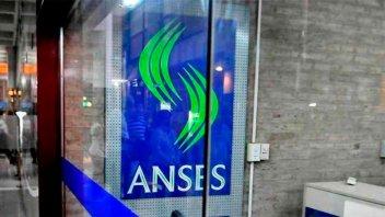 Jubilaciones y AUH: Quiénes cobran este martes los beneficios de ANSES