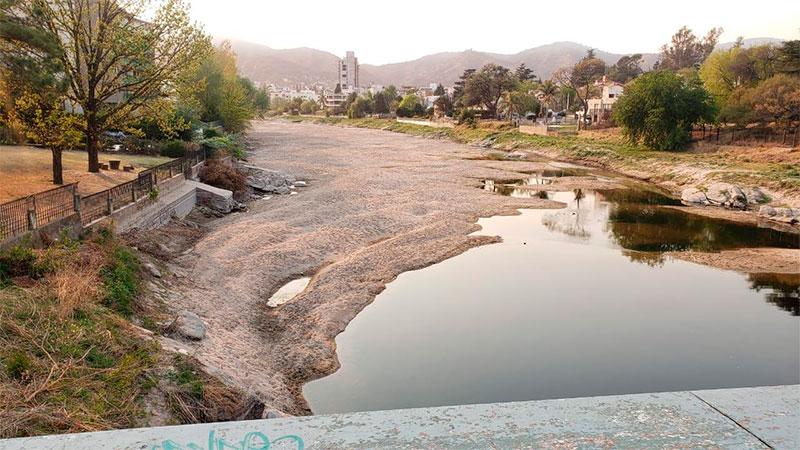 El río San Antonio está prácticamente seco