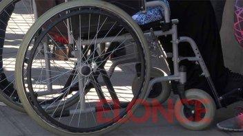 Buscan dar pase libre y gratuito a personas con discapacidad en transportes