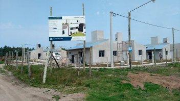 Avanza la construcción de viviendas sociales en cuatro localidades entrerrianas