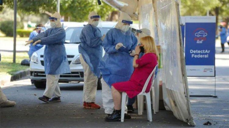 Reportaron 198 muertes y 8037 casos de covid-19 en Argentina