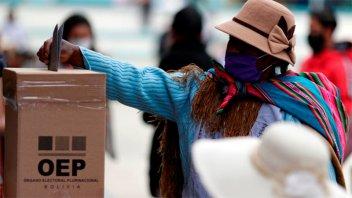 Cerraron las mesas electorales en Bolivia: Se esperan resultados de escrutinio