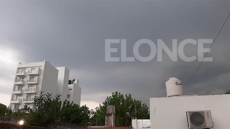 La sensación térmica llegó a 39 grados: Alerta por tormentas y vientos fuertes
