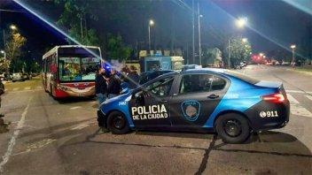 Tiroteo en colectivo: Además del policía, también murió un pasajero