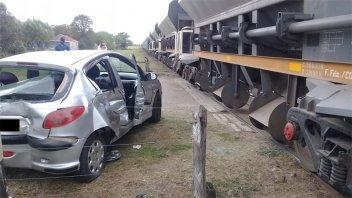 Automóvil chocó contra una formación de Trenes Argentinos