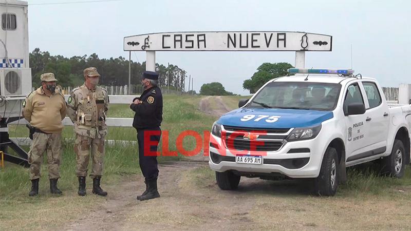 Operativo policial en entrada al campo de Etchevehere ante llegada de ruralistas